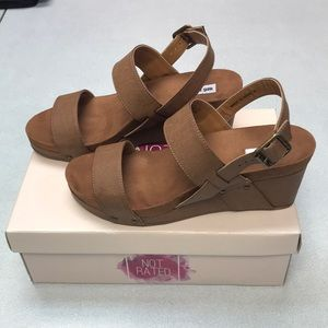 Revy Not Rated Wedge Sandal EUC